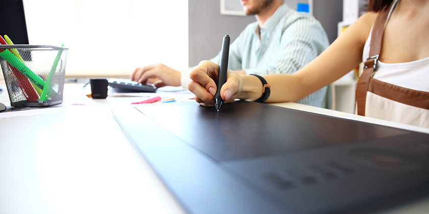 10 Tips to get hired as a Digital or Graphic Designer.